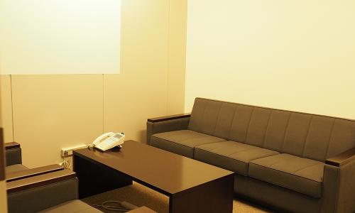 東京支店 応接室